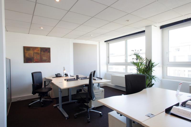 location bureaux neuilly sur seine 92200 72m. Black Bedroom Furniture Sets. Home Design Ideas