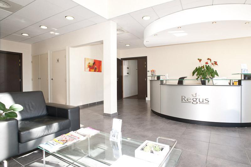 location bureau aix en provence 13593 9m. Black Bedroom Furniture Sets. Home Design Ideas