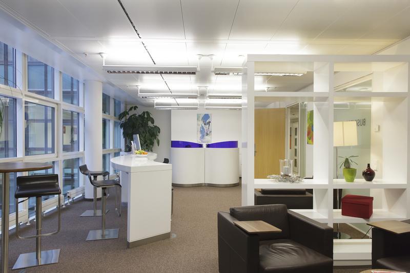 location coworking et centre d 39 affaires marseille 8 13008. Black Bedroom Furniture Sets. Home Design Ideas