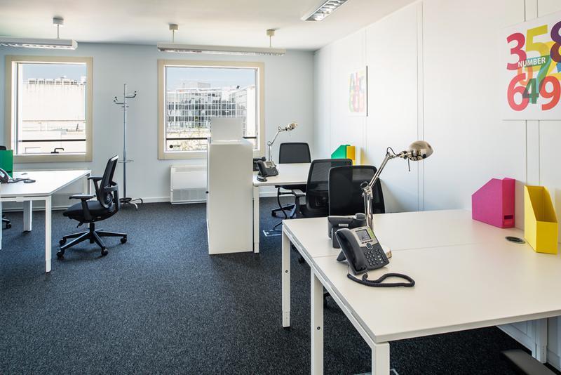 location bureaux montrouge 92120 27m2. Black Bedroom Furniture Sets. Home Design Ideas