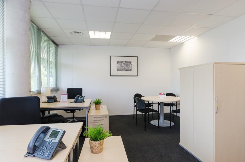 Bureau privé équipé jusqu'à  6 personnes à Montpellier Optimum ! - Photo 1