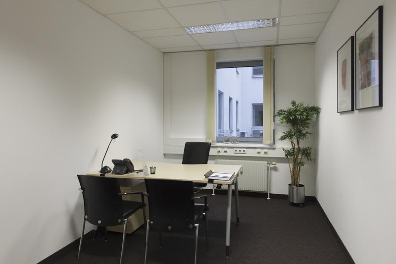 Votre bureau privé à Paris Place de Madrid - pour 1à 2 personnes! - Photo 1