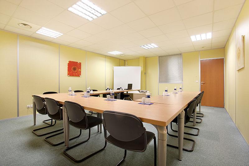 Bureau privé équipé jusqu'à  6 personnes à Grenoble Moirans Stop & Work Centr' Alp - Photo 1
