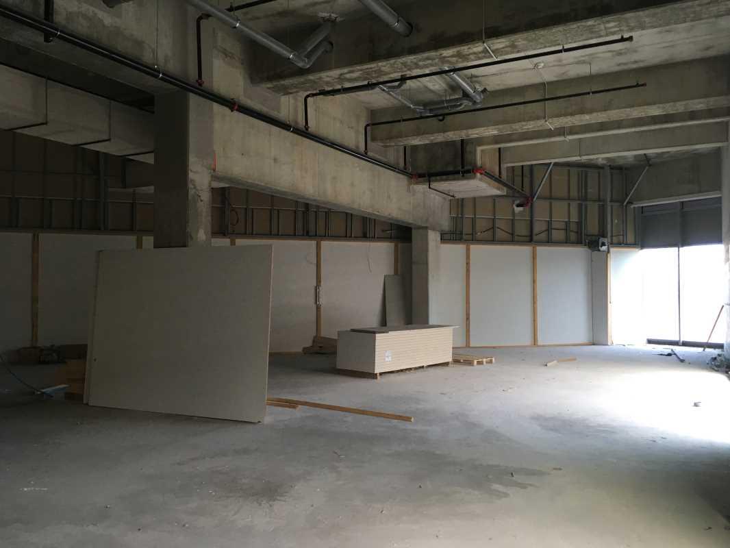 location commerces bayonne 64100 1 923m2. Black Bedroom Furniture Sets. Home Design Ideas