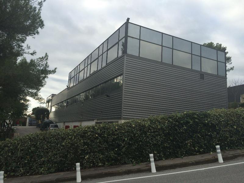 Bâtiment industriel 1.200 m2 Grasse - Photo 1