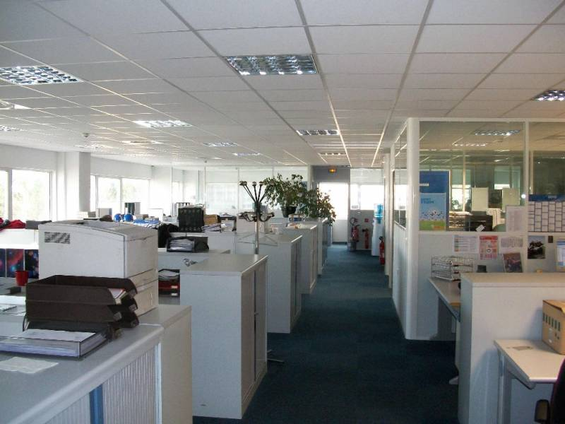 Location bureaux villeneuve loubet 06270 315m2 for Exterieur equipement villeneuve loubet