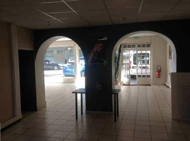 Toulouse les Minimes à louer local 100m2 en RDC