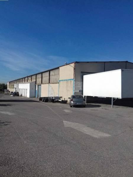 Vitrolles ZI Estroublans entrepôt de 2050 m² environ