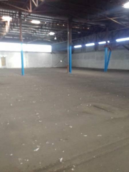 Vitrolles ZI Estroublans entrepôt de 5000 m² environ