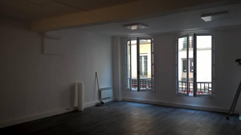 location bureaux paris 01 75001 70m2. Black Bedroom Furniture Sets. Home Design Ideas