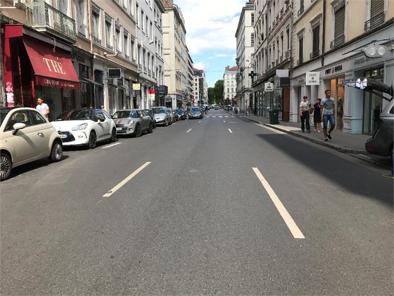 Dpt Rhône (69), Bail à céder  LYON 6EME ARRONDISSEMENT Local commercial de 54m2 environ, cours vitton - Photo 1