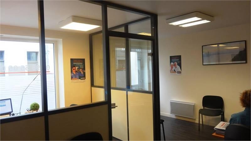 location bureaux quimper 29000 54m2. Black Bedroom Furniture Sets. Home Design Ideas