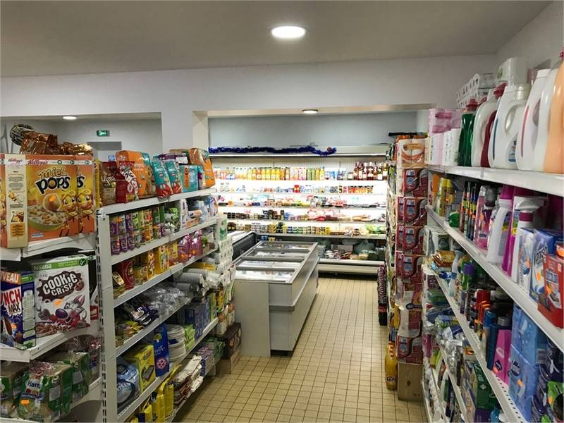 Location commerces levallois perret 92300 100m2 id for Salon de coiffure levallois