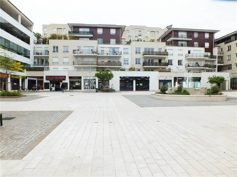 location locaux commerciaux rueil malmaison 92500 83m2. Black Bedroom Furniture Sets. Home Design Ideas
