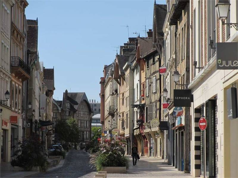 Commerces Troyes 10000