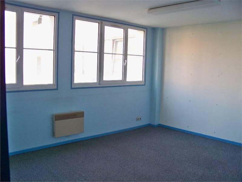 location bureaux troyes 10000 26m2. Black Bedroom Furniture Sets. Home Design Ideas