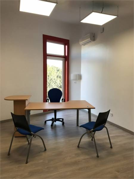 location bureaux chancelade 24650 19m2. Black Bedroom Furniture Sets. Home Design Ideas