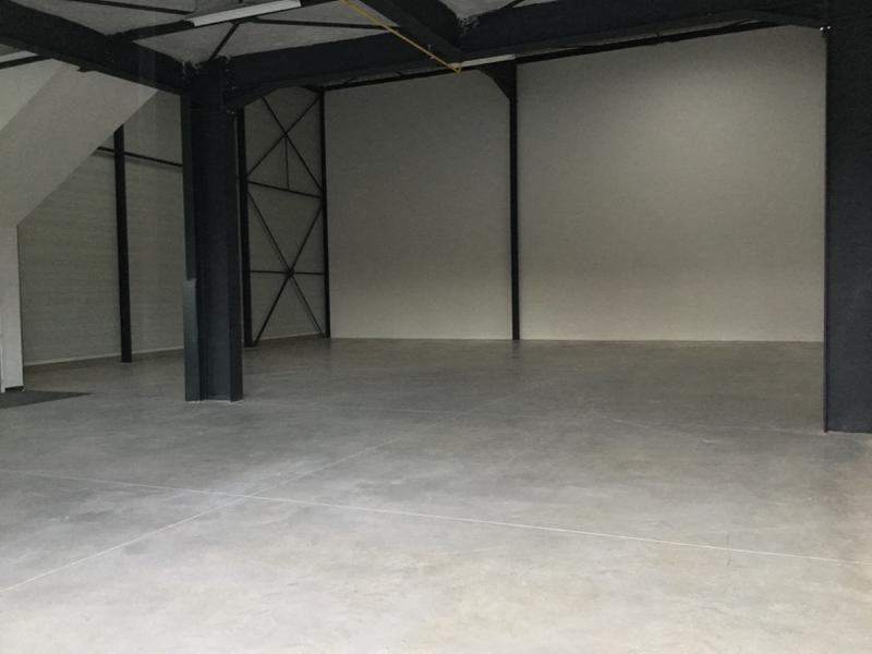Locaux d'activité de 1260m²  avec bureaux à louer à Lieusaint - Photo 1