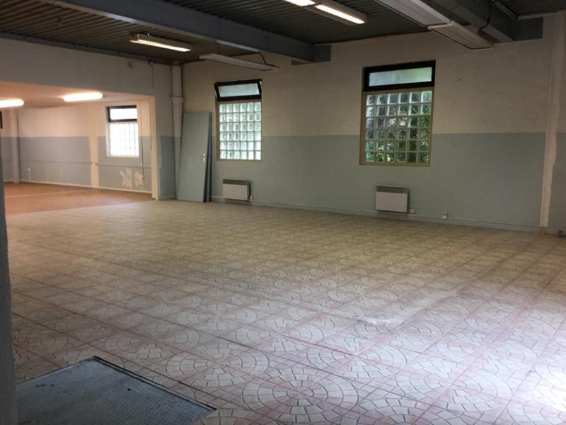 Immeuble indépendant avec visibilité commerciale entrepot/bureaux de 550m² - Photo 1