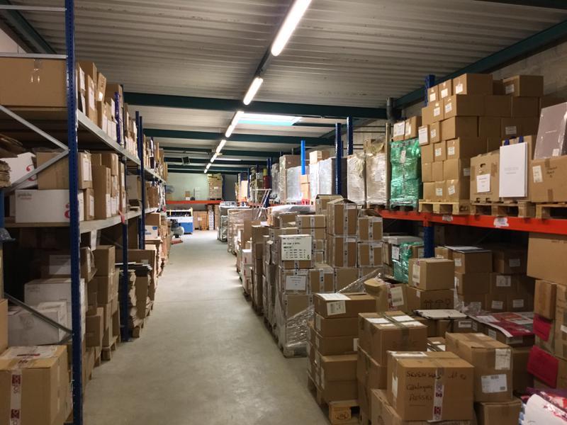 Locaux d'activités de 720m² avec bureaux d'accompagnement à louer à Fresnes - Photo 1