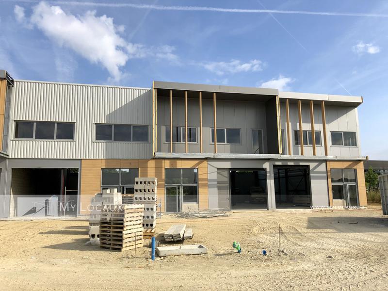 Locaux d'activités neufs 364m² - A15/A115 - Photo 1