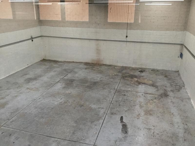 Locaux d'activités  de 269m² et bureaux de 92m² à louer à Emerainville - Photo 1