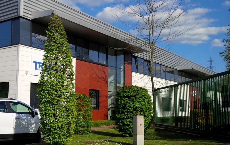 Locaux d'activités de 550m² et bureaux à louer à Lisses - Photo 1