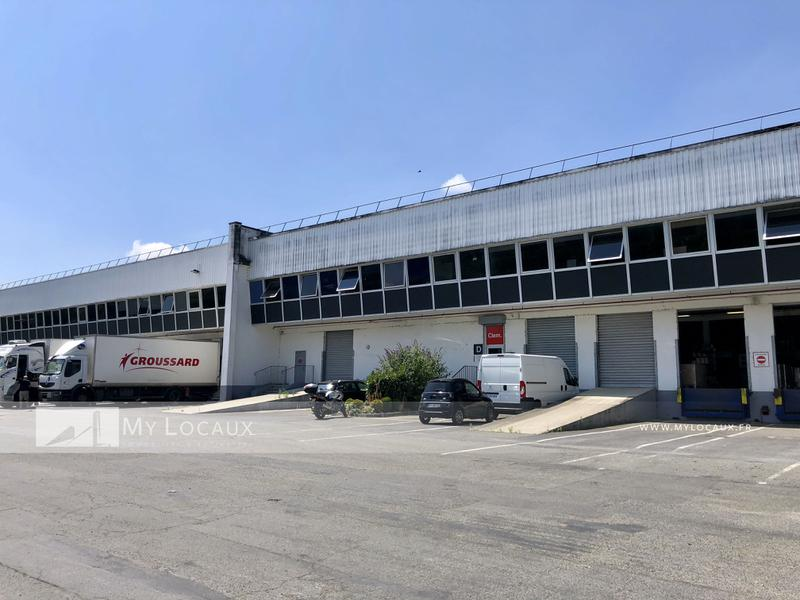 Entrepôt avec quais - 1 120m² - Photo 1