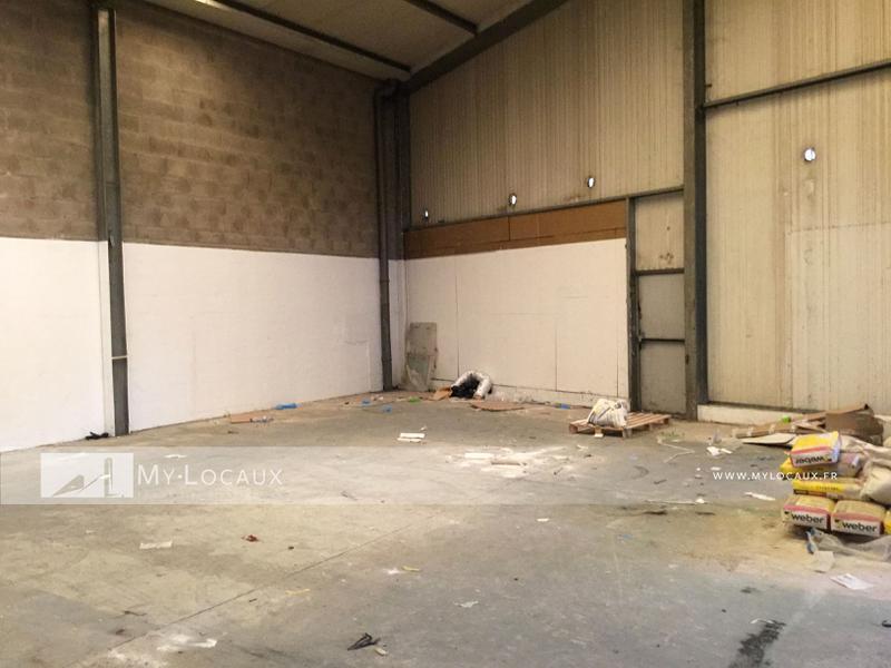 Entrepôt de 260m² avec bureaux  à louer à La Queue en Brie proche A4 - Photo 1