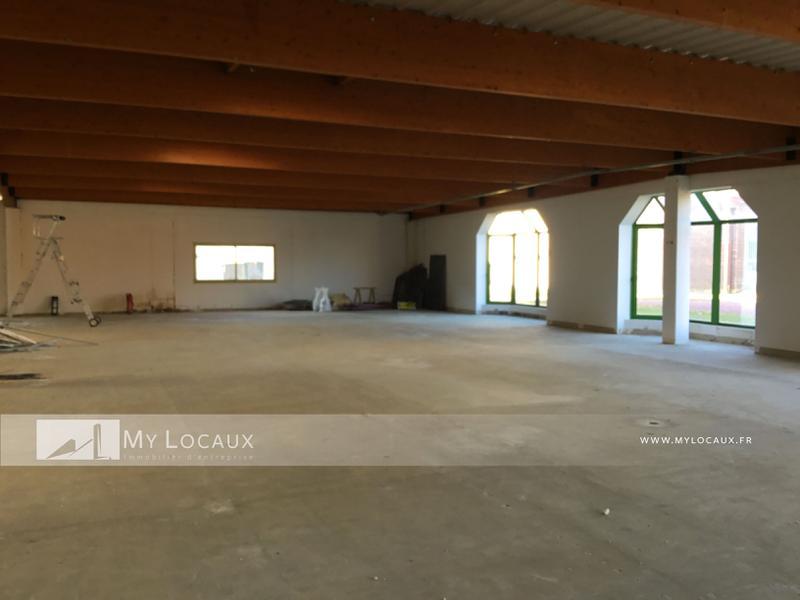 Entrepot et bureaux de 749m² à louer à Croissy Beaubourg - Photo 1