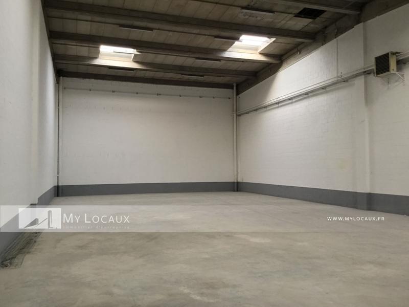 Entrepot et bureaux de 545m² à vendre à Lisses - Photo 1