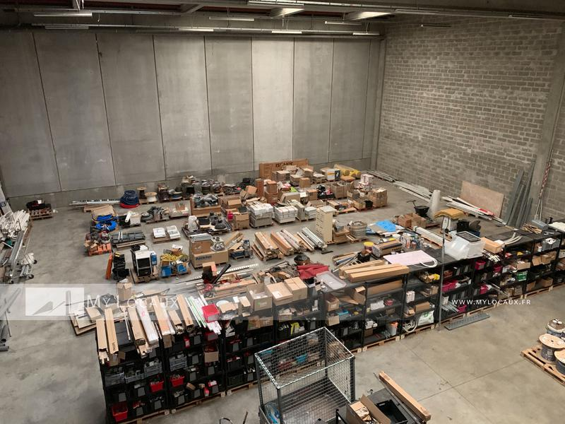 Entrepot de 620m² avec quai de déchargement à louer à Moissy - Photo 1
