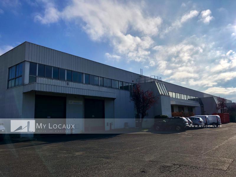 Entrepôt de 1 453 m² avec 2 portes sectionnelles - ZI du Val d'Argent - Photo 1