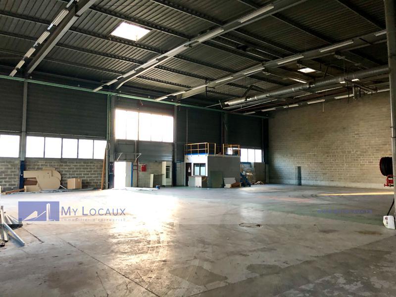Entrepôt de 1 224m²  en bon état avec 2 accès de plain-pied - Photo 1