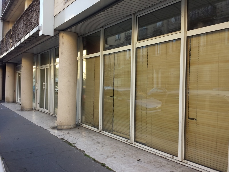 Location local commercial bordeaux louer commerce boutique bordeaux 33000 - Facade local commercial ...