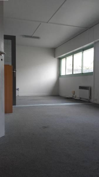 location bureaux saint maur des fosses 94100 85m2. Black Bedroom Furniture Sets. Home Design Ideas