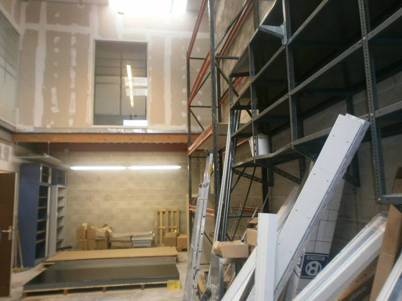location bureaux vitry sur seine 94400 200m2. Black Bedroom Furniture Sets. Home Design Ideas