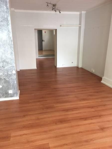 location locaux commerciaux saint maur des fosses 94210 91m2. Black Bedroom Furniture Sets. Home Design Ideas