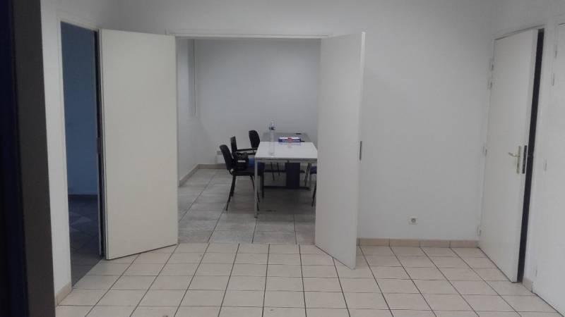 location locaux commerciaux pantin 93500 200m2. Black Bedroom Furniture Sets. Home Design Ideas