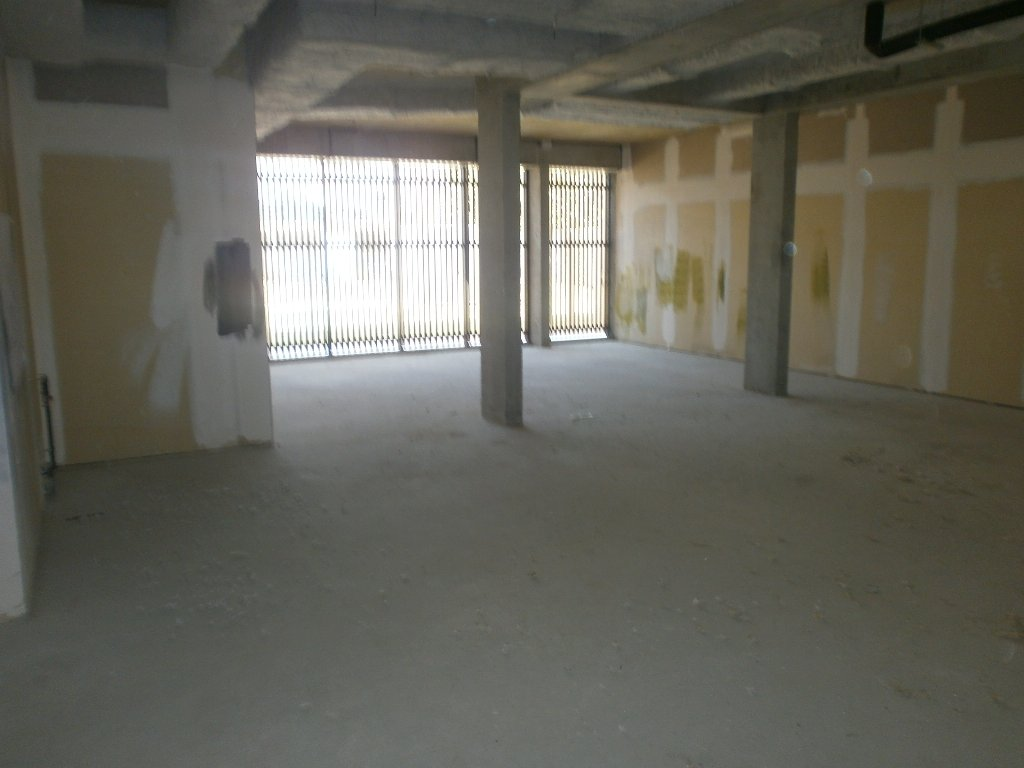 Local commercial - Photo 1