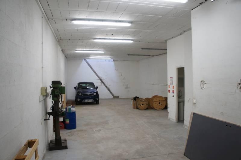 Idéal PME / Artisan - Local d'activité + bureaux : 188m2