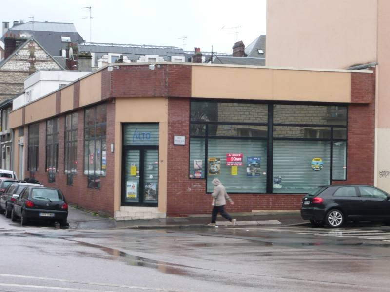 LOCAL COMMERCIAL 320m2 9725 ROUEN 76100