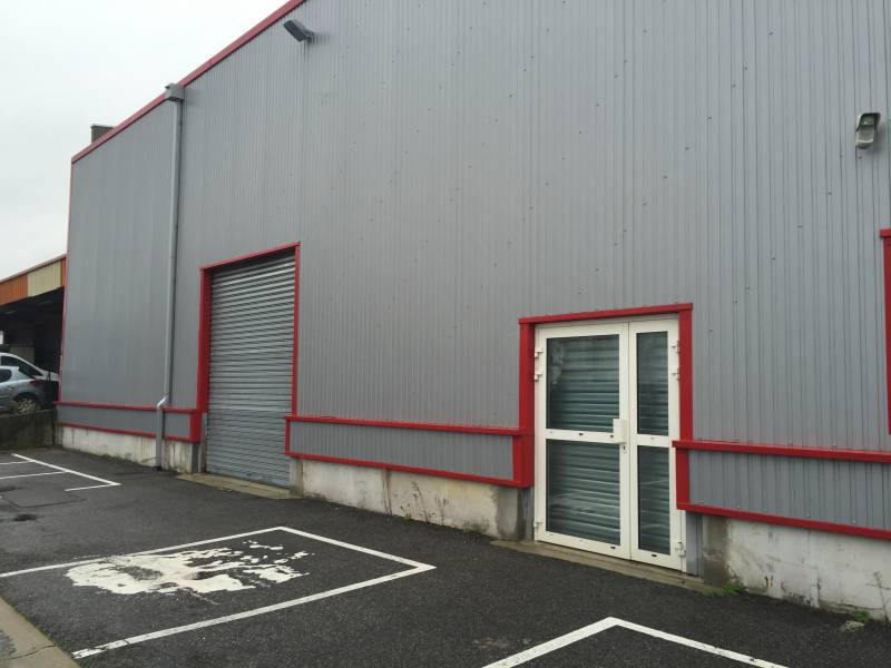 LOCAL COMMERCIAL 350m2 Oise 60 16960 COMPIEGNE 60200