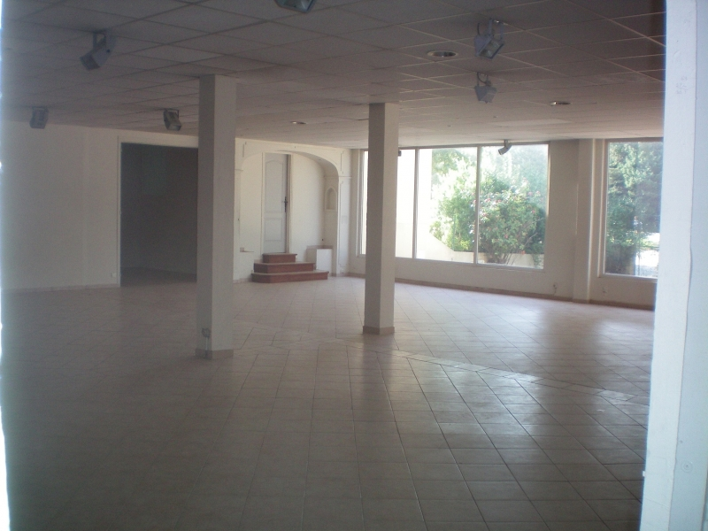 Location Magasin 220 m² et entrepôt 140 m² sur terrain - LE LUC RN7 -