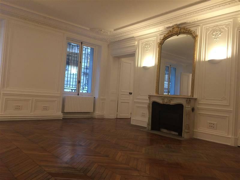location bureaux paris 8 75008 204m2. Black Bedroom Furniture Sets. Home Design Ideas