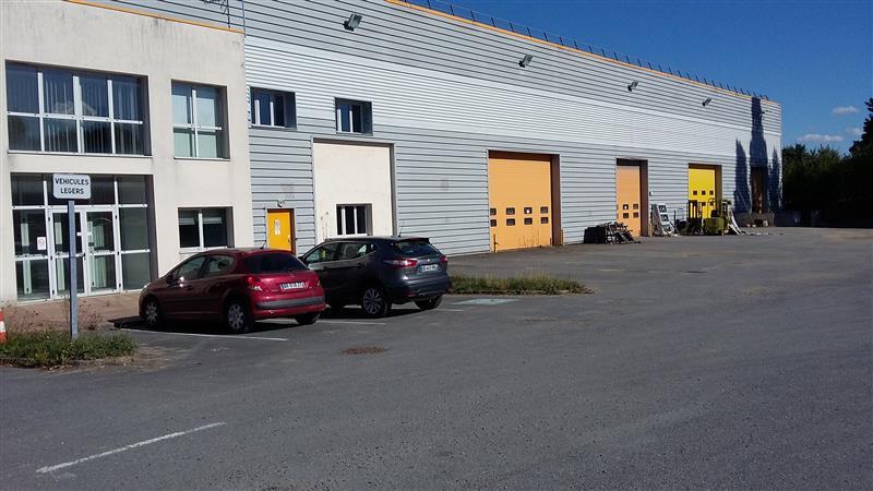 Bâtiment indépendant à vendre avec Visibilité A4 - Photo 1