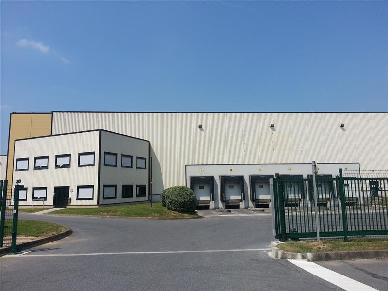 Entrepôt semi-indépendant à louer au sein de la ZAC du TUBOEUF - Photo 1