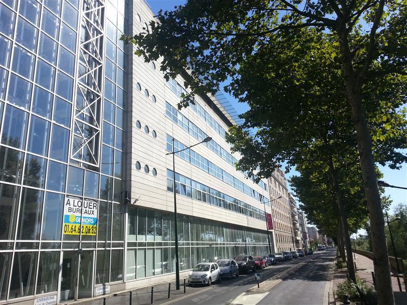 Activille - Bureaux à louer sur les quais de Seine - Photo 1