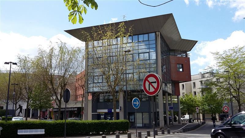 LE WALTER - Bureaux à louer proche du RER A TORCY et de BAY 1&2 - Photo 1