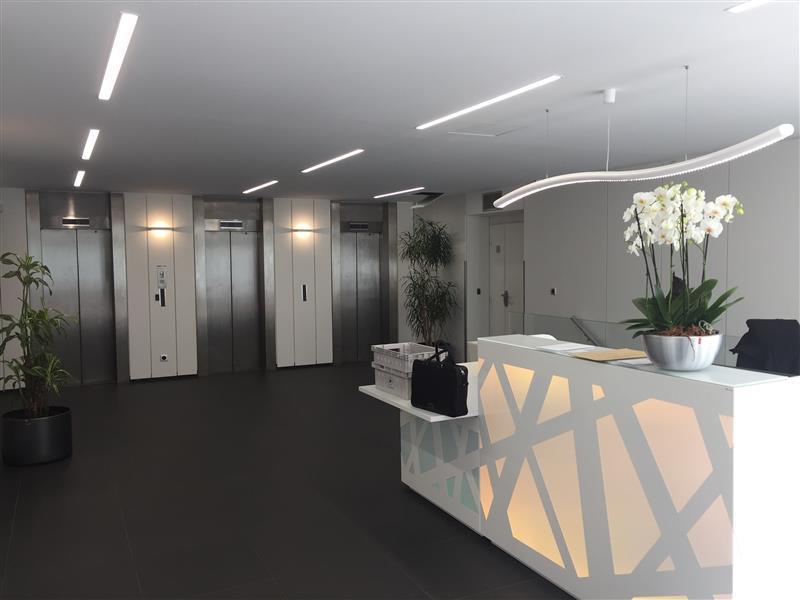 A louer - Bureaux rénovés - Immeuble Le LEVANT - A4 - Photo 1